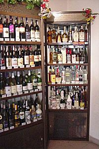 Стелажи за алкохол